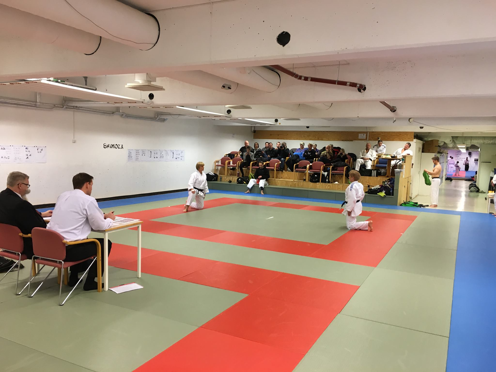 Mange judointeresserte hadde møtt opp for å se bl.a. Unni og Anne demonstrere Katame no kata.